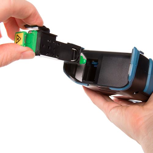 Click-Out™ Optical Connectors | EXFO 2